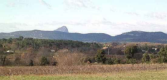 Languedoc photo - Pic St Loup